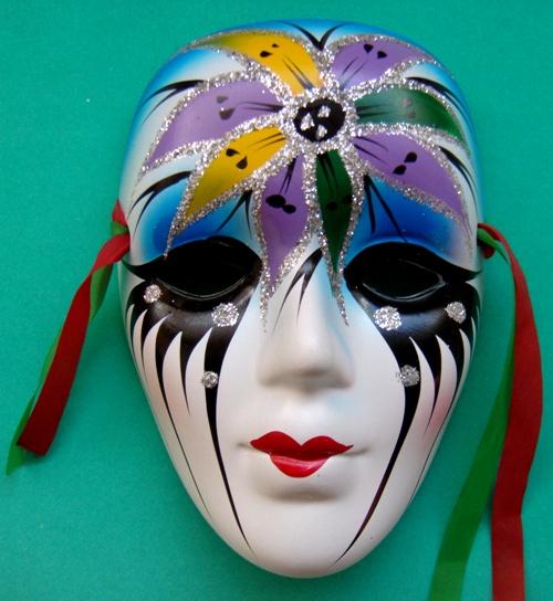 Imagenes de mascaras de yeso decoradas imagui - Mascaras venecianas decoracion ...