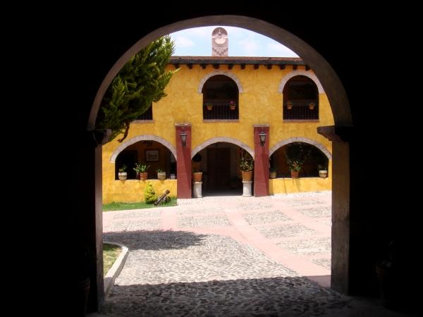 Ciclismo en Aculco Pueblo Mägico. Casa en que se hospedó el Padre de la Patria: Miguel Hidalgo y Costilla el 5 de noviembre de 1810 y sufrio en este pueblo su primera derrota contra los realistas