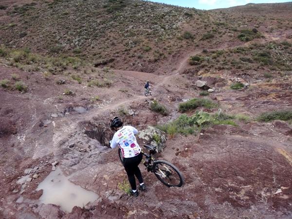 Ciclismo de montaña, subidas y bajadas extremas