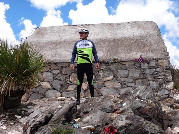 Templo Huichol en la cima del Cerro el Quemado a una alitud de 3800 msnm