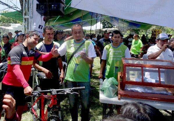 Rifa Bici Hard Rock 2017 Specialized y ganador. MTB La Dominante 2017, Tlacotepec Morelos