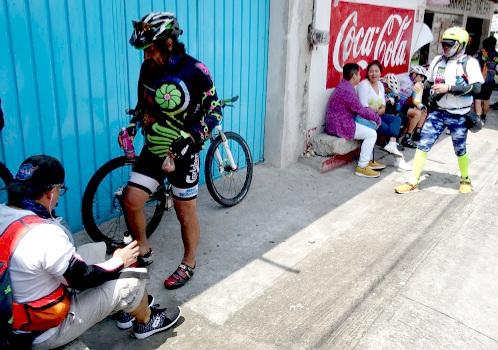 Receso en Amayuca Morelos de la Ruta Chichimeca 2017. Aquí termina el acompañamiento de algunos de los ciclistas de Cuautla Morelos