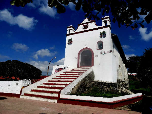 Iglesia de Santo Domingo de Tapijulapa Tabasco, ubicada en la cima de un cerro. Cicloturismo 2017