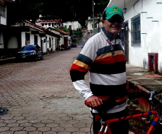 Cicloturista en Pueblo Mágico de Tapijulapa Tabasco 2017