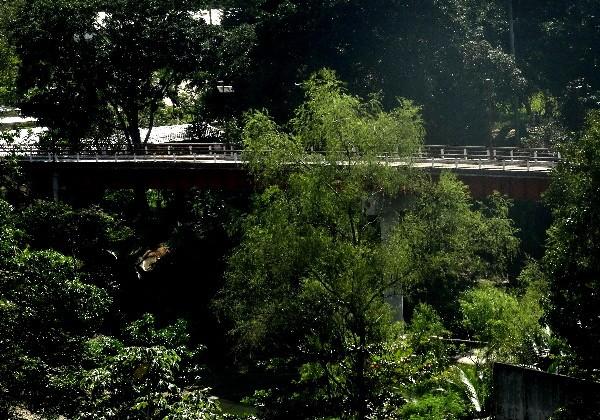 Puente colgante sobre el Río Amatán, Tapijulapa Pueblo Mágico del Estado de Tabasco. 2017