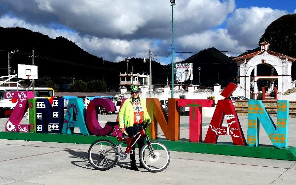 Plaza principal de Zinacantán Chiapas. Cicloturismo 2017