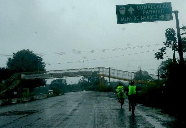 Rodando por autopista a Comalcalco y Paraiso Tabasco , cicloturismo 2018