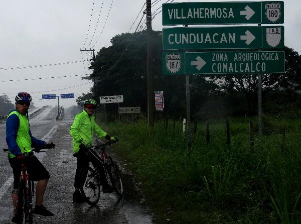 Cicloturistas rumbo a zona arqueológica de Comalcalco Tabasco 2018