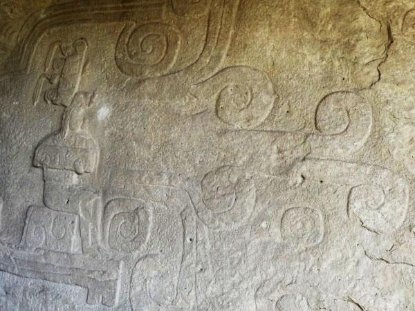 Chalcatzingo petrograbados o bajo relieves en roca, Zona Arqueológica Municipio Jantetelco Estado de Morelos