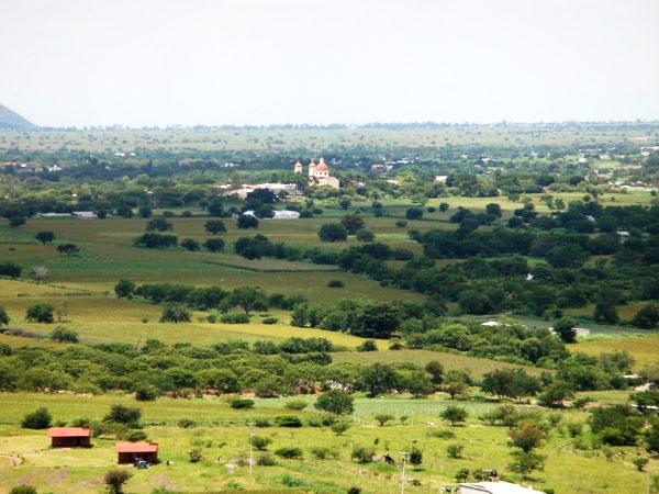 Panorámica del Valle de Morelos, vista desde el Cerro Chalcatzingo, municipio de Jantetelco Estado de Morelos. Senderismo México