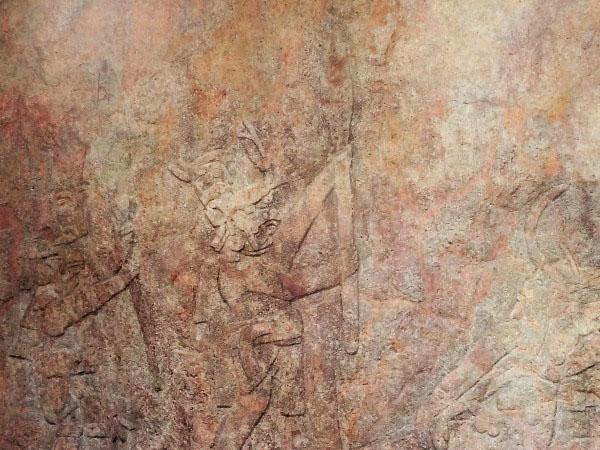 Chalcatzingo grabado en roca de silueta humana con bastón de mando. Municipio Jantetelco Estado de Morelos. Senderismo México en fotos