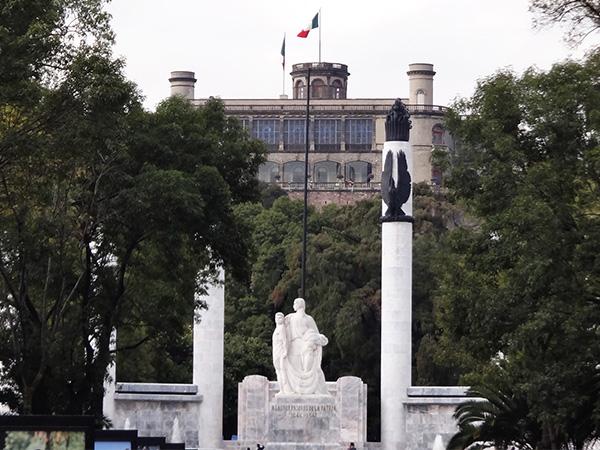 Senderismo al Cerro y Castillo de Chapultepec, Alcaldía Miguel Hidalgo CDMX