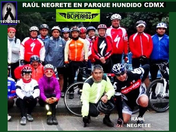 Raúl Negrete con Biciperros en Parque Hundido CDMX