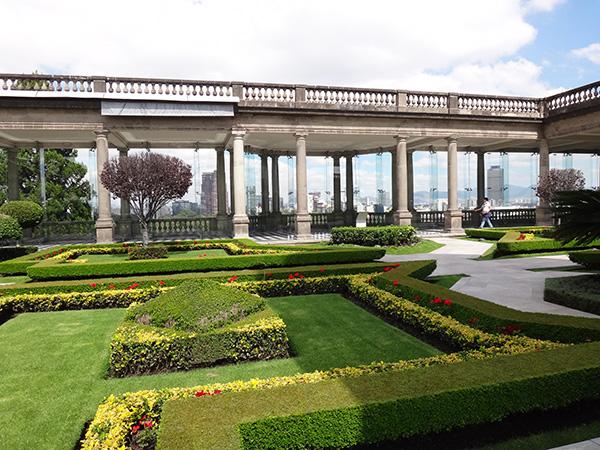 Jardines del Castillo de Chapultepec, Alcaldía Miguel Hidalgo, CDMX. Senderismo urbano