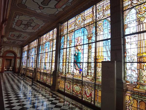 Galería de emplomados y vitrales: Fertilidad y abundancia. Interior del Castillo de Chapultepec, Alcaldía Miguel Hidalgo CDMX. Senderismo urbano