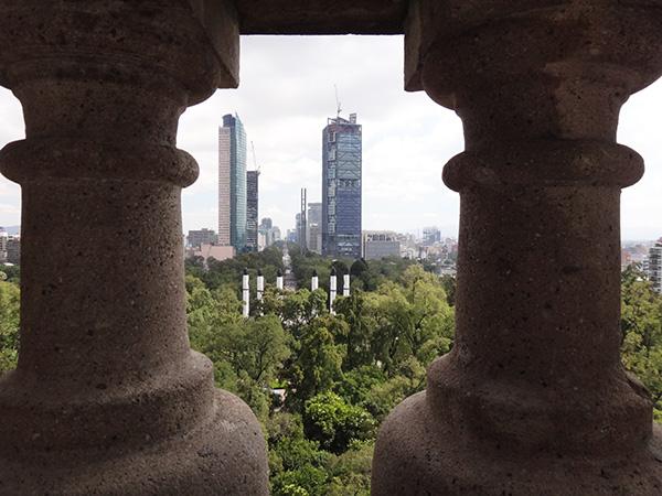 Paseo de la Reforma visto desde el Castillo de Chapultepec, Alcaldía Miguel Hidalgo CDMX. Senderismo urbano