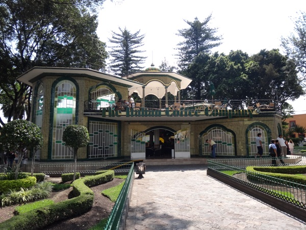 Kiosco del jardín central de Atlixco de influencia árabe. Estado de Puebla, senderismo urbano México
