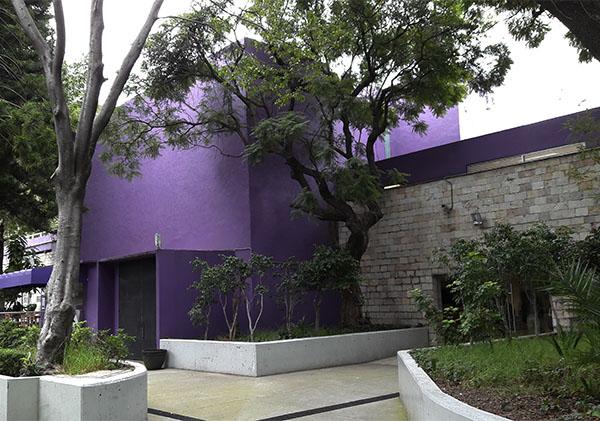 Unidad de Vinculación Artística dependiente del Centro Cultural Universitario Tlatelolco, Alcaldía Cuauhtémoc Cd. de México. Senderismo urbano cultural