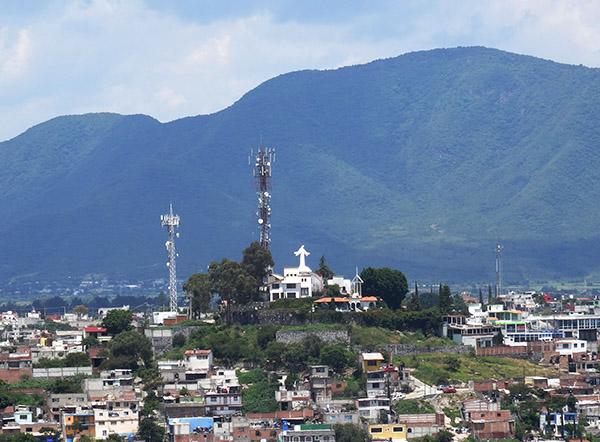 Panorámica del Cristo de Atlixco Pueblo Mágico, Estado de Puebla, México.Senderismo urbano