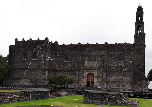 Parroquia de Santiago Apóstol, Plaza de las Tres Culturas, Tlatelolco Alcaldía Cuauhtémoc, Cd. de México, senderismo urbano cultural